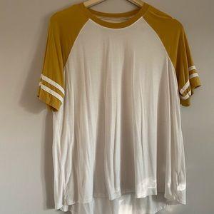 AEO Baseball sleeve t-shirt
